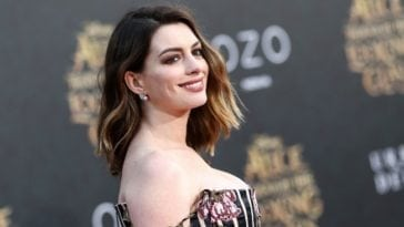Anne Hathaway clavage at best Hot 21 photos
