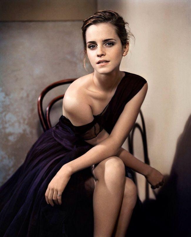 Emma Watson hot photos sexy Instagram bikini pictures
