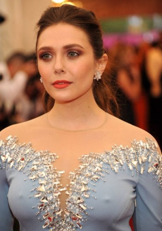 Scarlet Witch actress elizabeth olsen boobs show t event