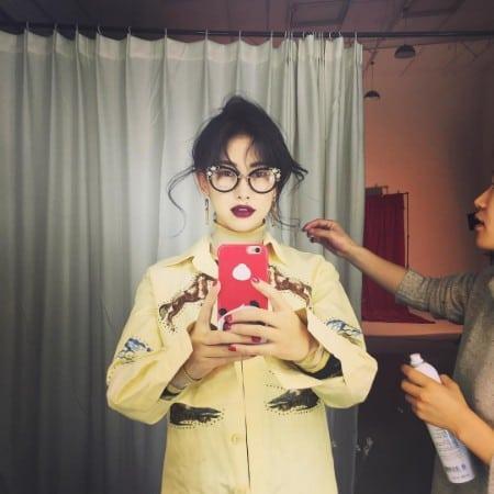 Zhu Zhu taking selfie