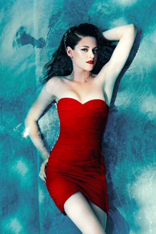 Kristen Stewart sexy photos instagram hot photos bikini pics
