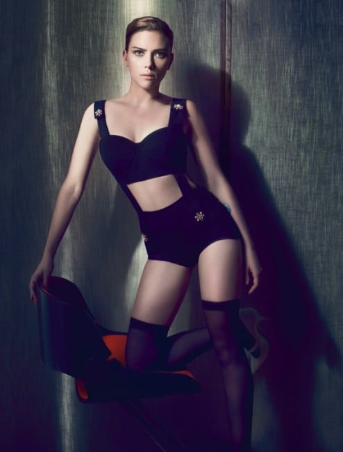 hot scarlett johansson bikini sexy look (2)
