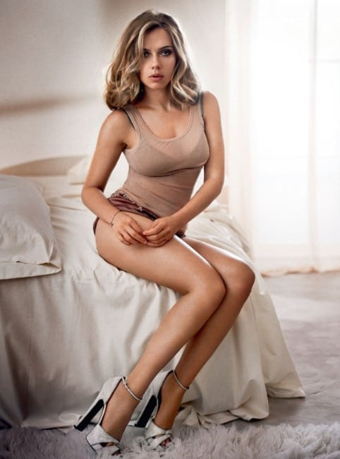 hot scarlett johansson gq magazine hot look