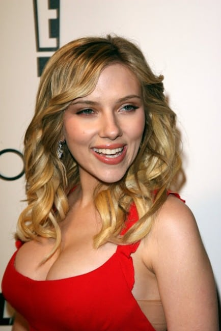 scarlett johansson boobs hot pics in red dress at an event