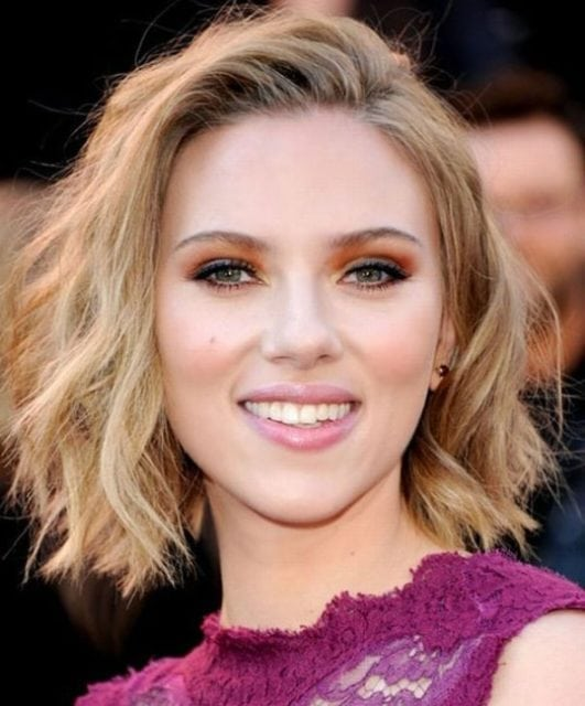 scarlett johansson hot and beautiful smile