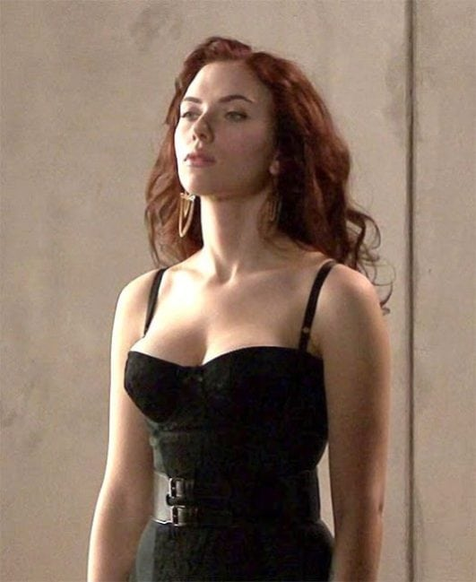 scarlett johansson hot boobs show in avengers