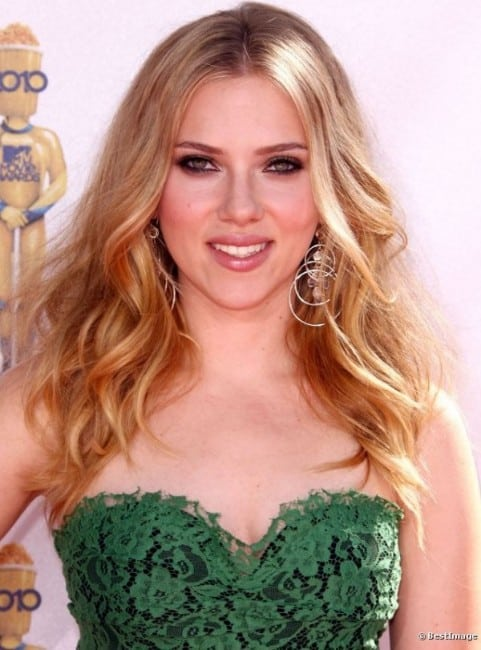 scarlett johansson hot pics in an offsholder green dress
