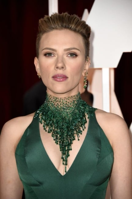 scarlett johansson hot pics in green dress
