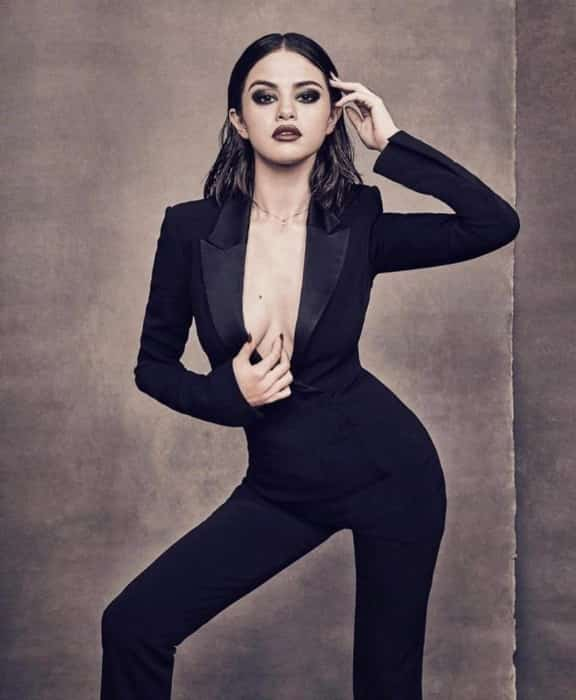 selena gomez hot pic from her photoshoot