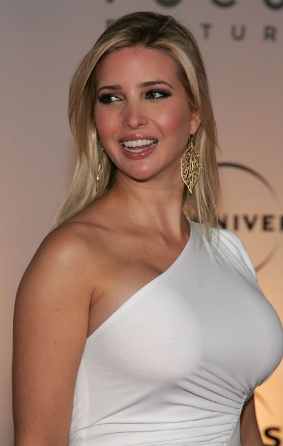 Ivanka Trump boobs show pics