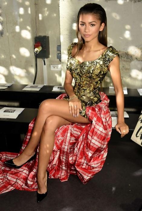 disney actress zendaya hot pics