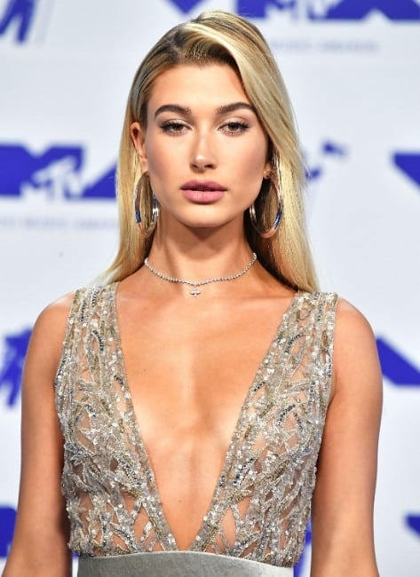 hailey-baldwin sexy justin bieber girlfriend