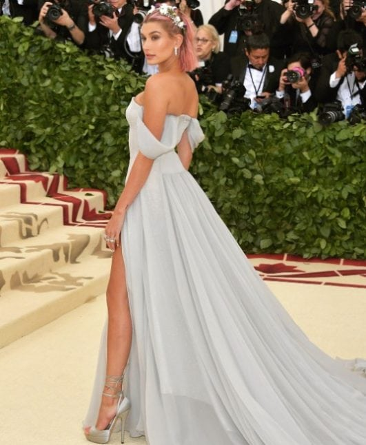 model hailey baldwin sexy otfit at Met Gala Event