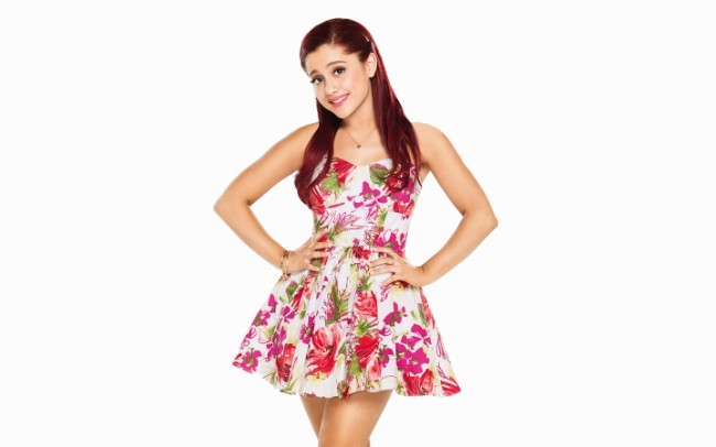 Ariana Grande Latest hot photo