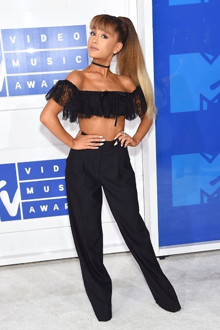 Ariana Grande hot looking at an event