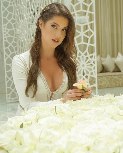 Beautiful Amanda Cerny Hot Pics