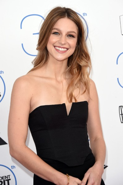 Melissa Benoist boobs show in black dress