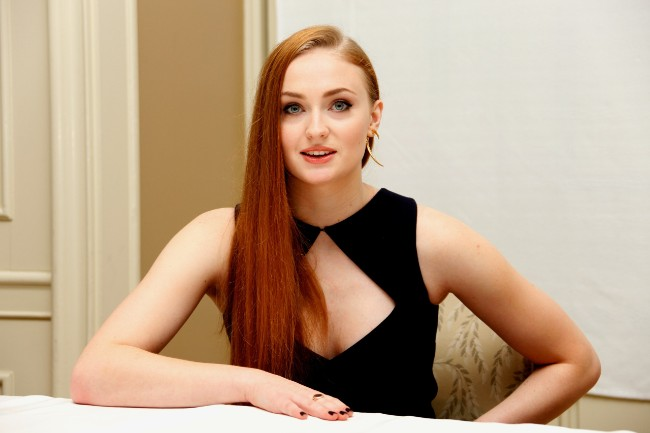 game of thrones actress sophie turner boobs hot pics