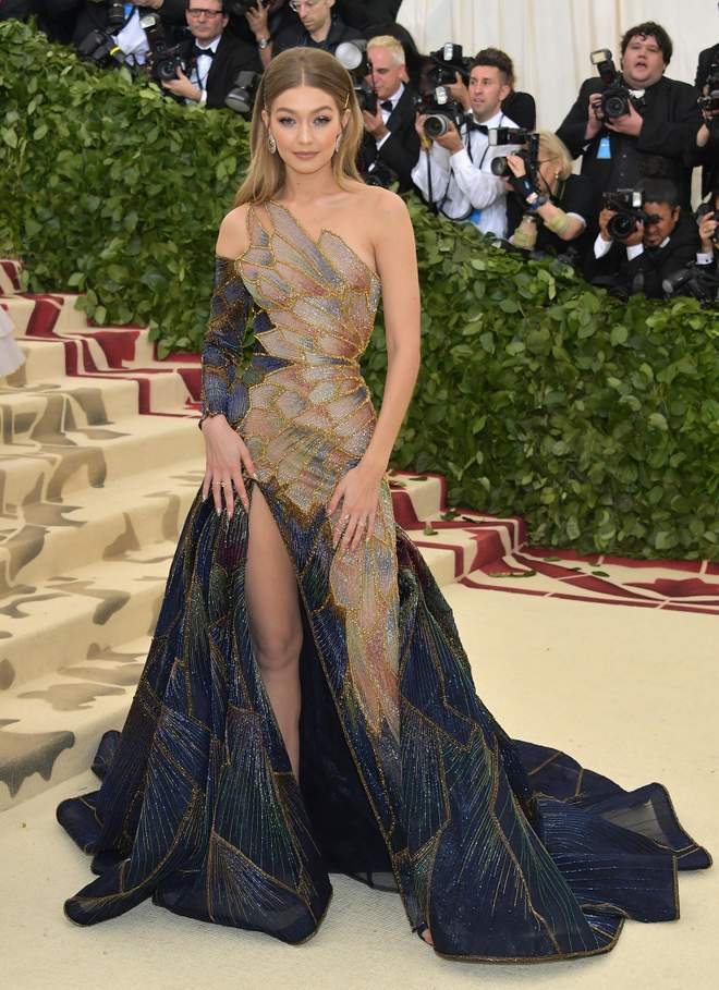 Gigi Hadid met gala 2019 photo