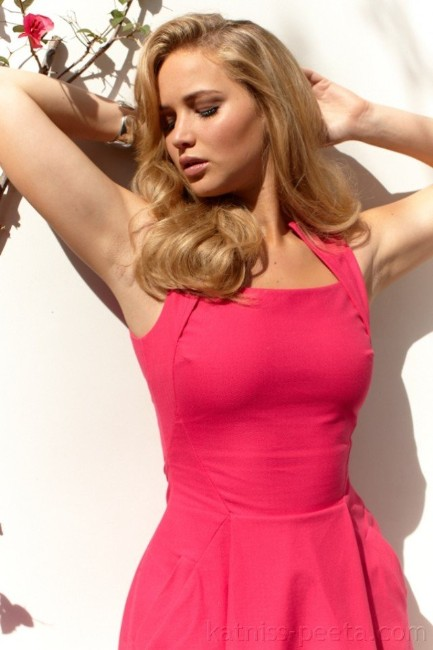 hot jennifer lawrence in pink
