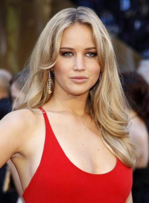 jennifer lawrence hot in red dress