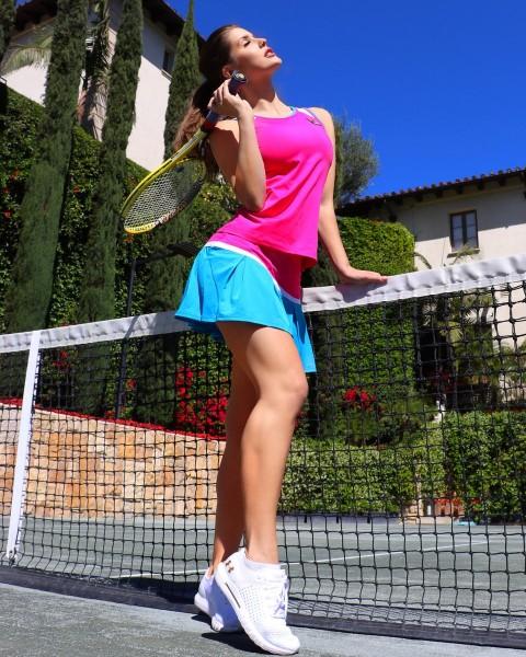 sexy legs show of amanda cerny