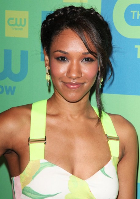Candice Patton sexy clevage show photo