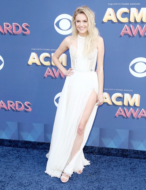 Hottest Kelsea Ballerini Photos Sexy Near-Nude Pictures