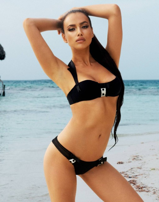 Irina Shayk hot on black bikini