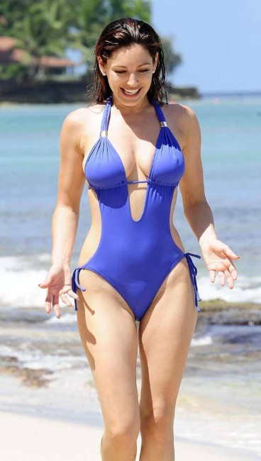 Kelly Brook bikini hot photo