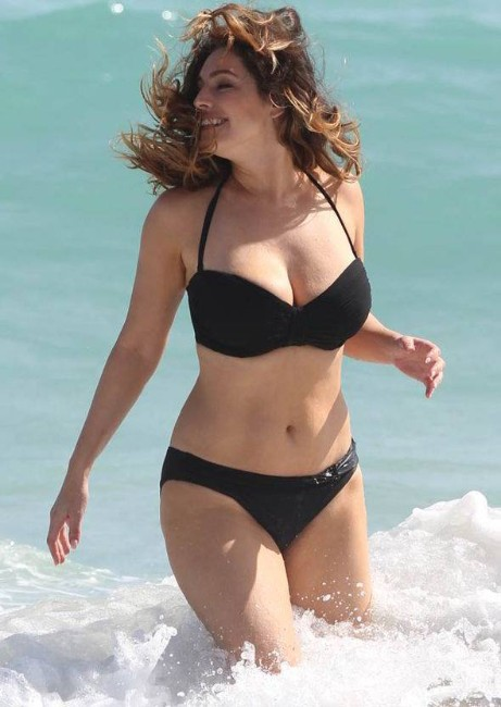 kelly brook semi nude at beach