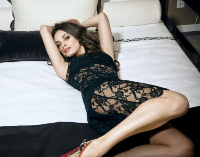 mila kunis hot looking in black dress