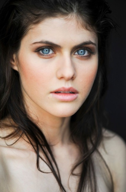 Alexandra Daddario hot actress face closeup