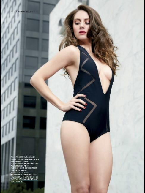 Alison Brie hot look in swimsute