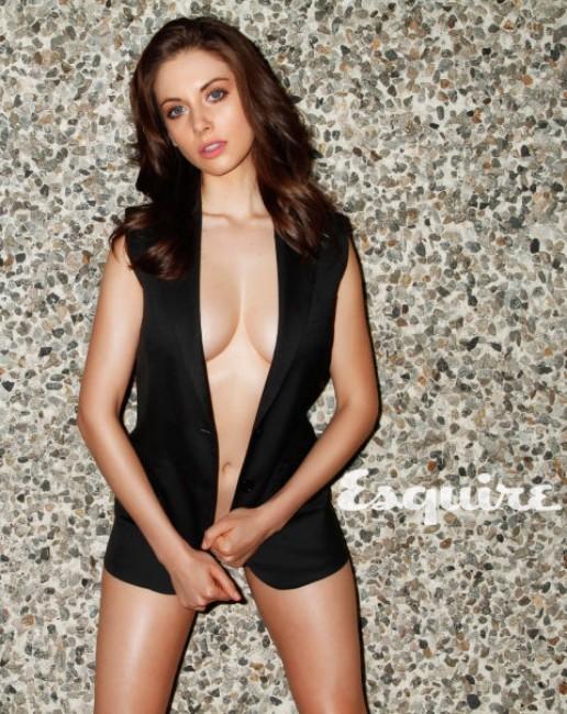 Alison Brie near nude pics