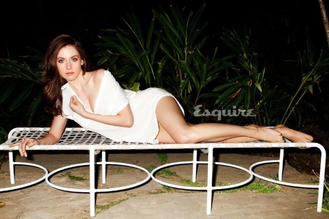 Alison Brie sexy ass show pic