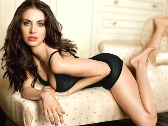 Alison Brie sexy bikini photo