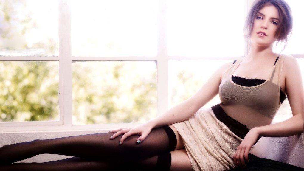 Anna Kendrick near nude picture