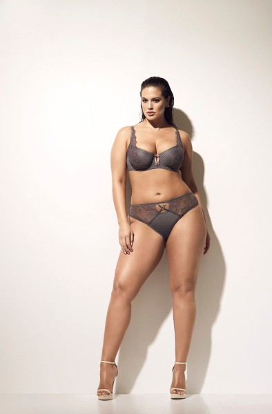 Ashley Graham bikini sexy look