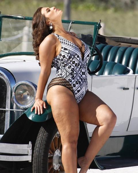 Ashley Graham hot image