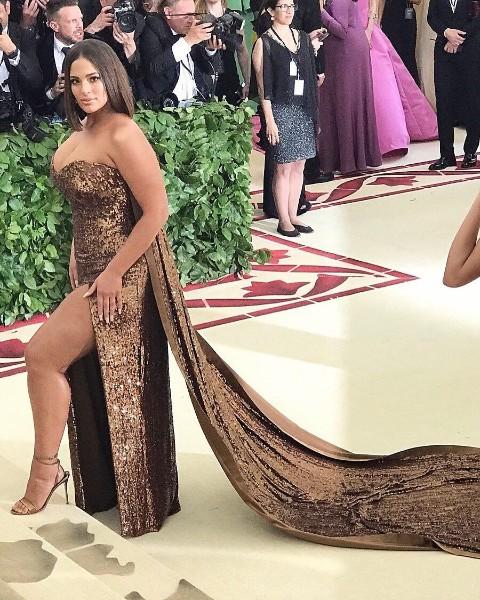 Ashley Graham hot looking at met gala