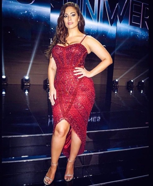 Ashley Graham sexy in red dress