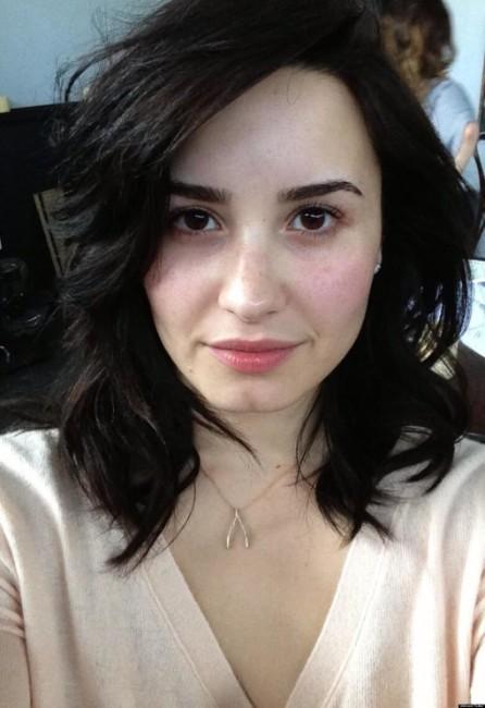 Demi Lovato nude sexy selfie