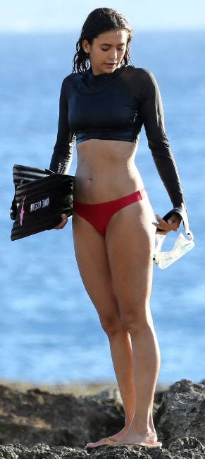 Naomi Scott bikini hot photos