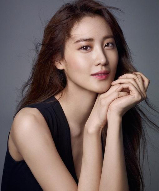 age of ultron actress Claudia Kim hot photos