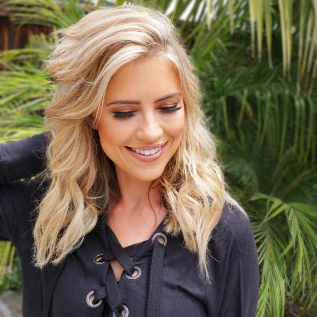 christina el moussa hot smiling model photo