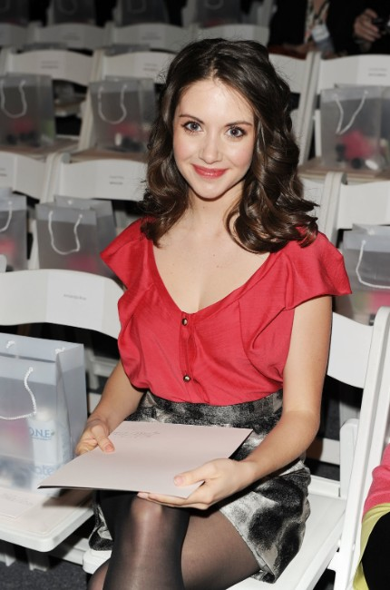 mad man tv show actress Alison Brie hot picture