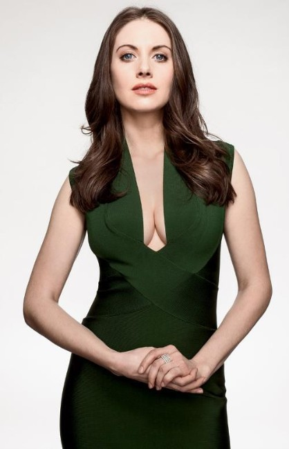 sexy pictures of glow actress Alison Brie
