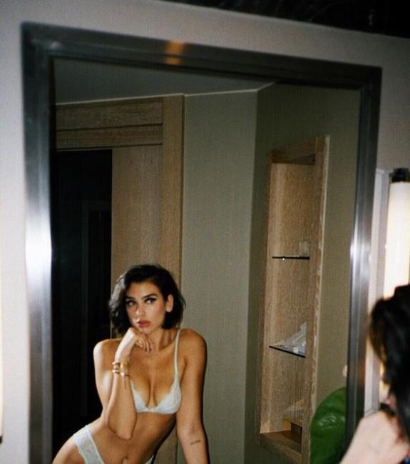 Dua Lipa hot, Dua Lipa nude, Dua Lipa photos, sexy naked images