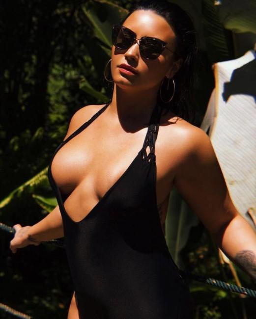 Demi Lovato booty, Demi Lovato ass pics, Demi Lovato instagram near nude photos